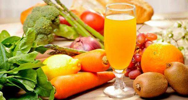 Свежие овощи и фрукты для полезного питания