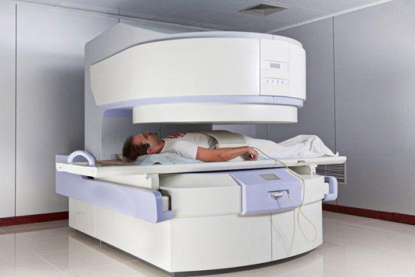 Как проходит диагностика заболеваний позвоночника