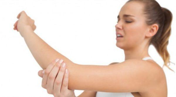 Ушиб локтевого сустава является причиной боли